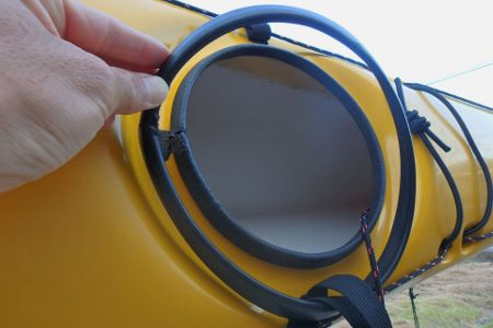 シーカヤック バウ/スターン・ハッチカバー のパッキン剥離 漏水 水漏れ 修理1007.jpg